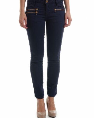 Till dam från Mos Mosh, en blå jeans.