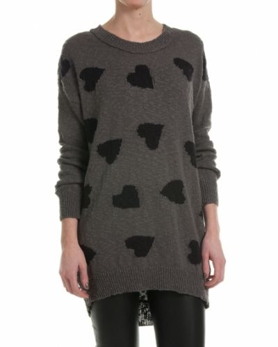 Till dam från Saint Tropez, en grå tröja.