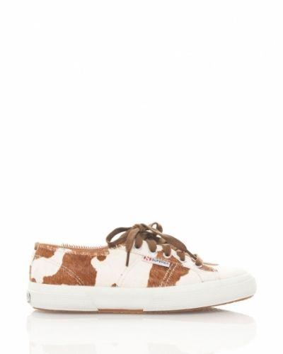 Till dam från Superga, en sko.
