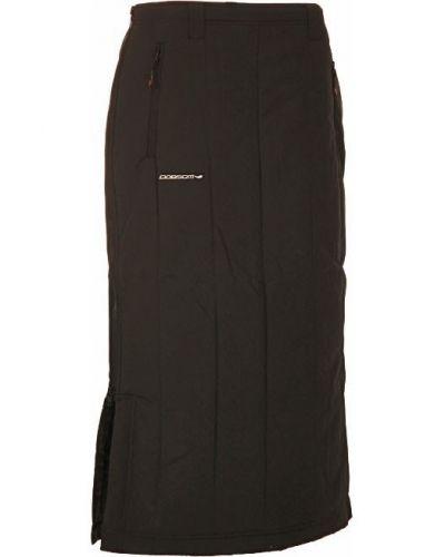Till kvinna från Dobsom, en svart kjol.