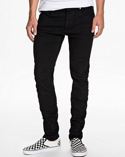 Till herr från Sweet, en svart slim fit jeans.