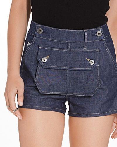Till dam från G-Star, en shorts.
