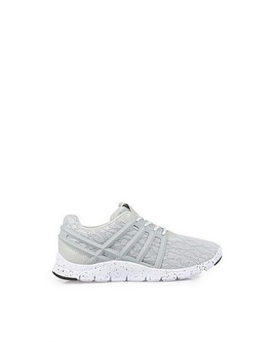 Bronx sneakers till dam.
