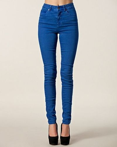 Blå straight leg jeans från Selected Femme
