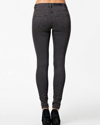 Annie Jeans Selected Femme slim fit jeans till dam.