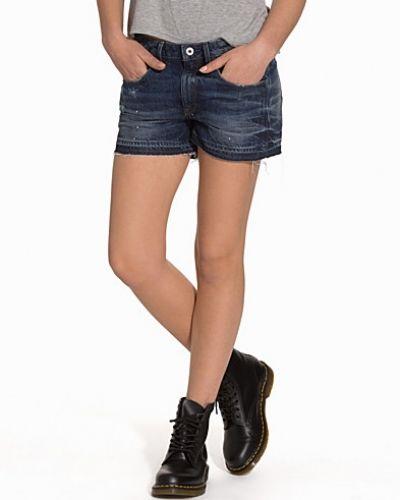 Till dam från G-Star, en blå shorts.