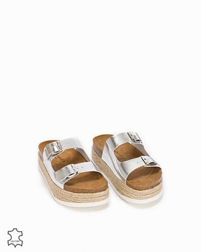 Sandal från Jeffrey Campbell till dam.
