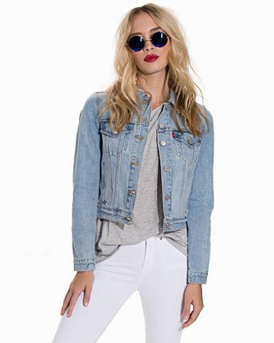 Till dam från Levis, en blå jeansjacka.