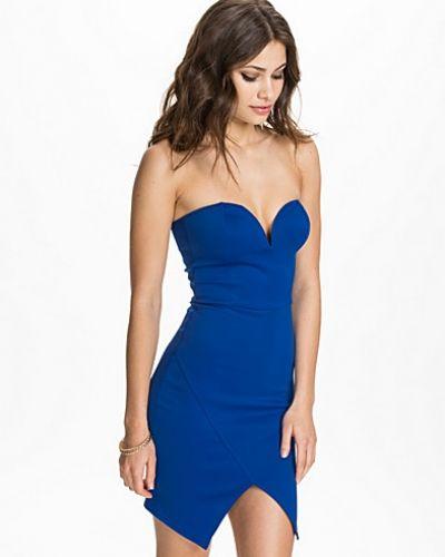 Till dam från Oh My Love, en blå fodralklänning.