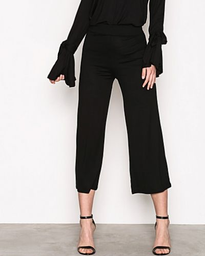 Byxa Basic Culotte Pants från NLY Trend
