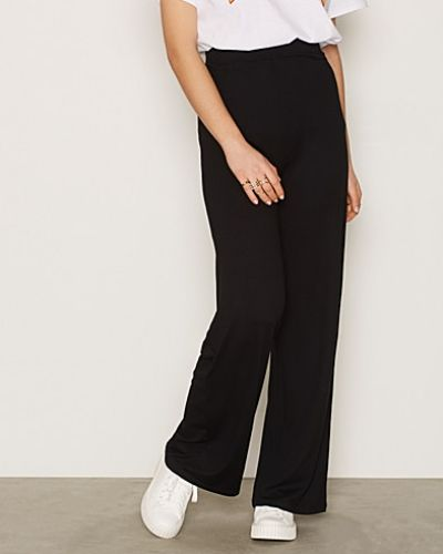 Byxa Basic Wide Pants från NLY Trend