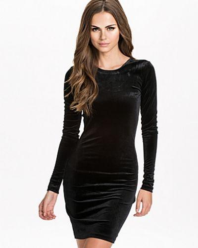mbyM långärmad klänning till dam.