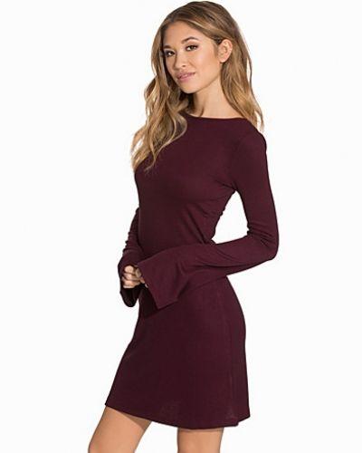 Bell Sleeve Dress Miss Selfridge långärmad klänning till dam.