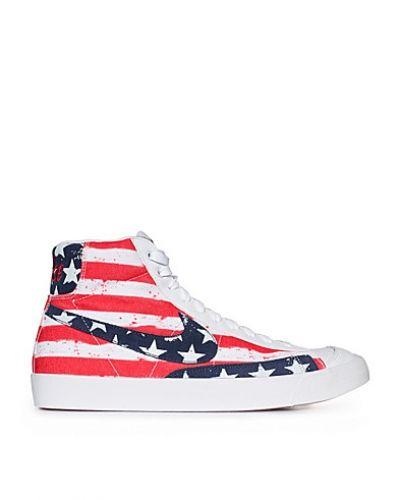 finest selection 44254 ec2ea Till herr från Nike Sportswear, en vit sneakers.