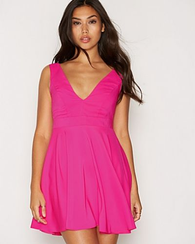 Bright Pink Plunge Sleeveless Skater Dress New Look ärmlösa klänning till dam.
