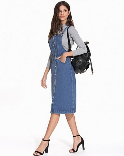 Jeansklänning Button Through Denim Pinny Dress från Miss Selfridge