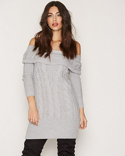 Stickade tröja Cable Bardot Knitted Dress från Miss Selfridge