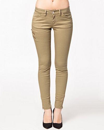 d. Brand Cargo Pants