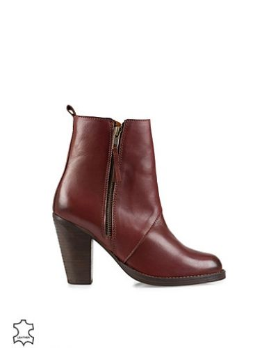 Carol Boot Cognac Selected Femme känga till dam.