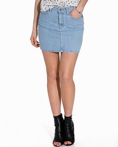 Till tjejer från Dr Denim, en grå jeanskjol.