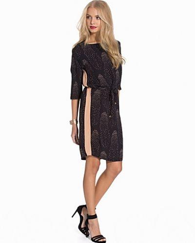 Till dam från Soaked in Luxury, en blå klänning.