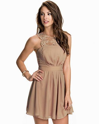 Elise Ryan klänning till dam.