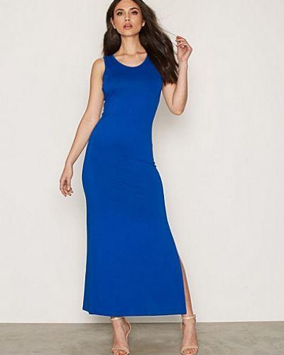 Maxiklänning Classy Maxi Dress från NLY Trend