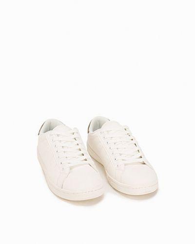 Sneakers från Vero Moda till dam.