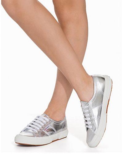 Sneakers Cotmetu från Superga