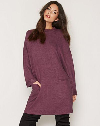 Klänning Cozy Pocket Dress från NLY Trend