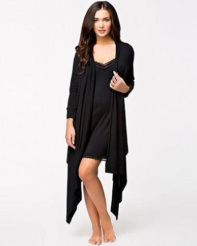 Till dam från DKNY Lounge Wear, en svart pyjamas.