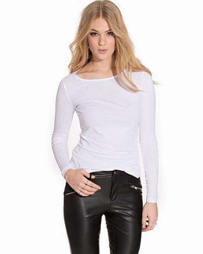 Till dam från New Look, en vit sweatshirts.