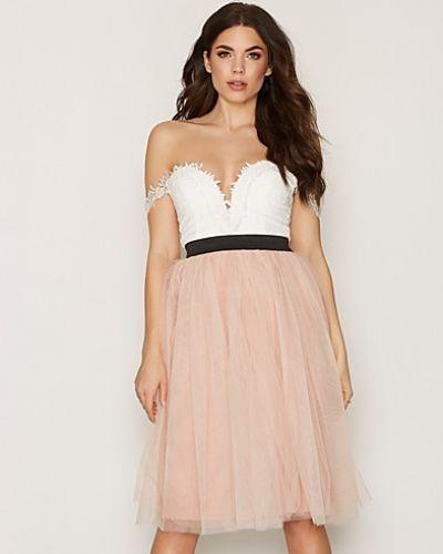 Till dam från Rare London, en vit klänning.