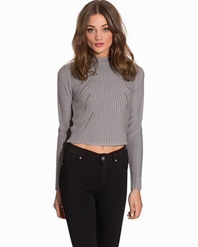 Cropped Cable Knit NLY Trend stickade tröja till dam.