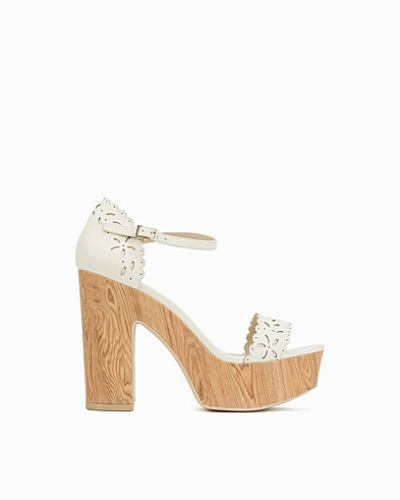 Högklackade Cut Out Platform Sandal från Nly Shoes