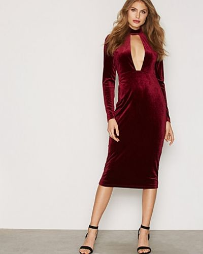 Cut Out Velvet Dress Glamorous maxiklänning till dam.