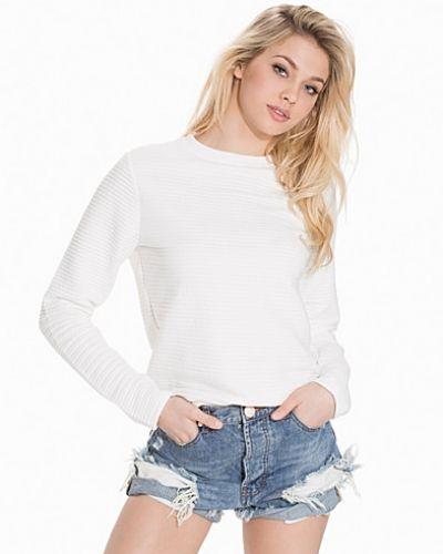 Till dam från Rut&Circle, en vit sweatshirts.