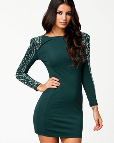 Dionne Dress TFNC långärmad klänning till dam.