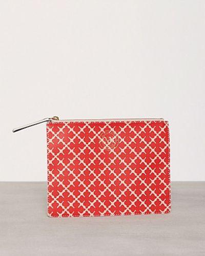 Till tjejer från By Malene Birger, en röd kuvertväska.