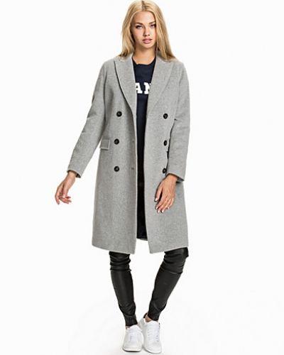 Till dam från Gant, en grå kappa.