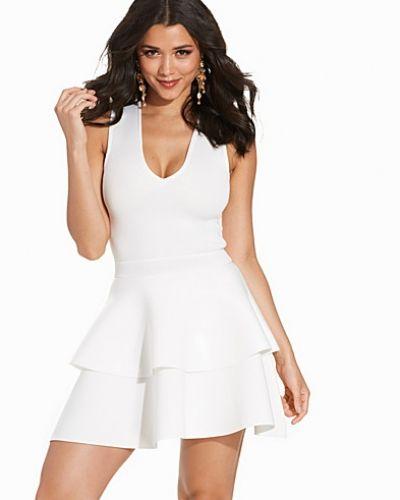Klänning Double Frill Dress från NLY One