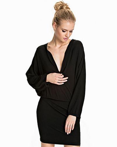 Drapey Wrap Dress Filippa K klänning till dam.