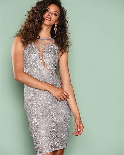 Fodralklänning Dreamy Lace Dress från Ax Paris