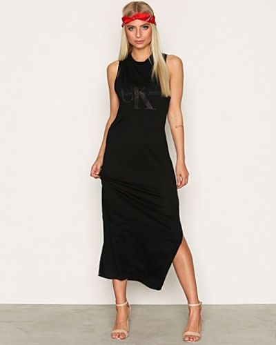 Drew True Icon Maxi Dress Calvin Klein Jeans maxiklänning till dam.