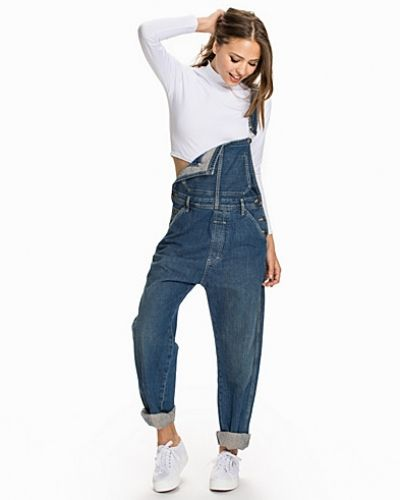 Till dam från Calvin Klein Jeans, en blå straight leg jeans.