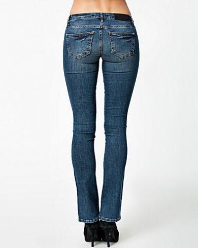 Till tjejer från Noisy May, en metallicfärgad bootcut jeans.