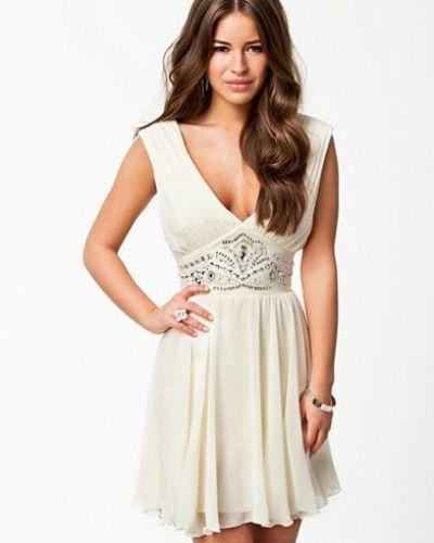 Embell Waist Prom Dress Lipsy studentklänning till tjejer.