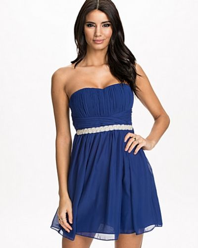 ad2fa0082869 Oneness - Embellished Flare Dress. Bandeauklänning Embellished ...