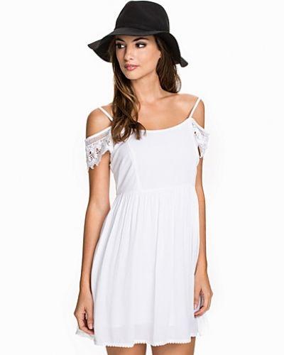 Festklänning Embellished Smock Dress från New Look