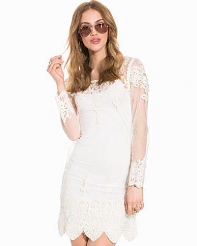 Embroidery Dress w/ Cami Slip Club L långärmad klänning till dam.